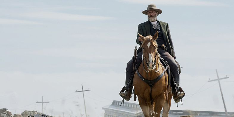 Godless (Netflix) Jeff-Daniels-as-Frank-Griffin-in-Netflixs-Godless-copy