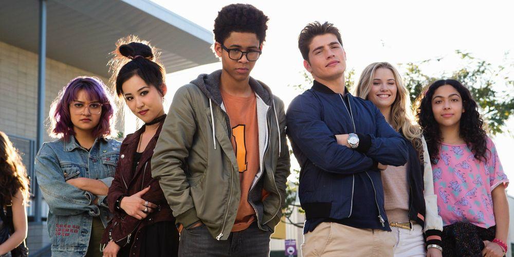 Marvel's Runaways Cast Reveal Easter Eggs On Show