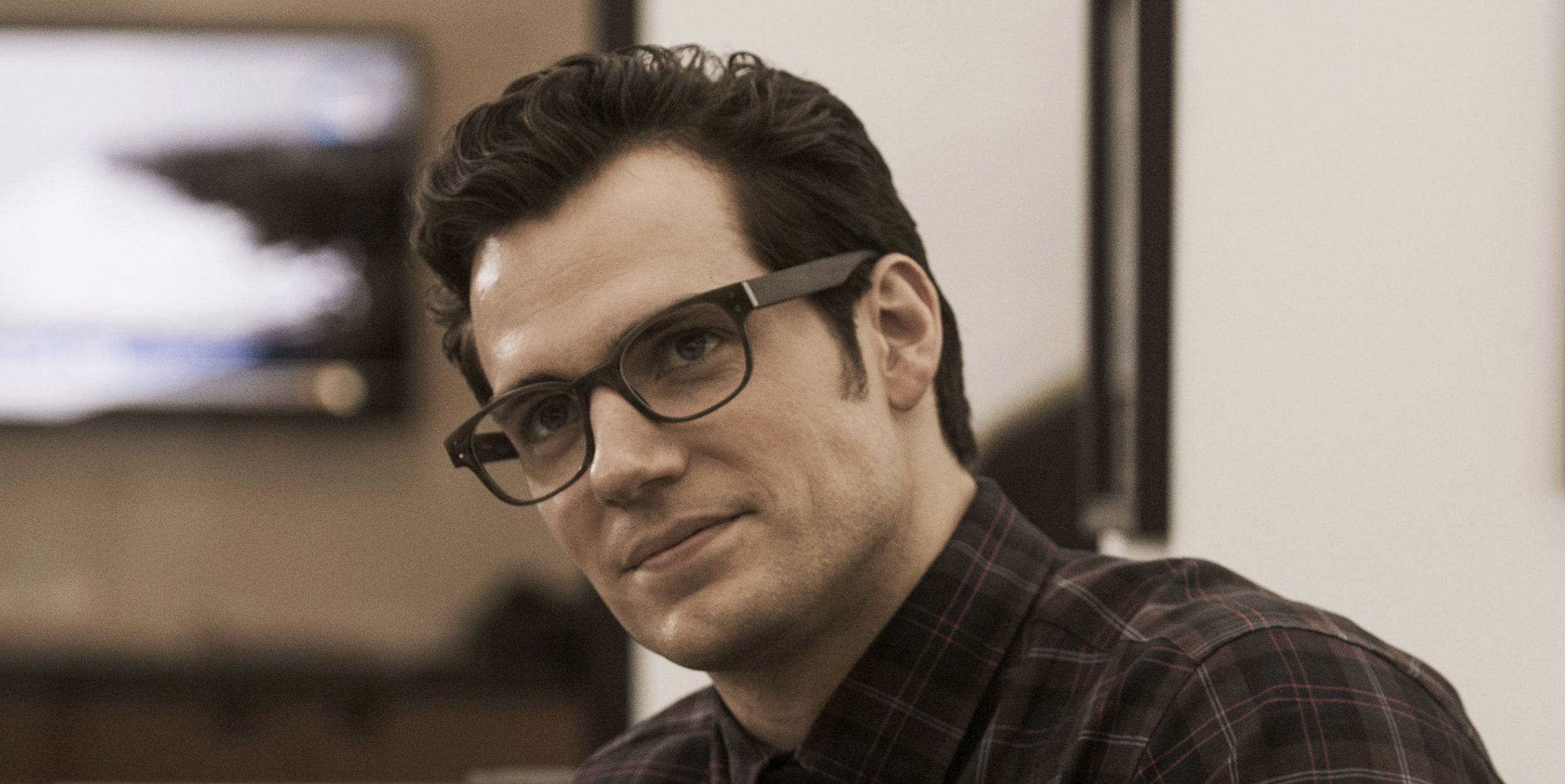 https://static0.srcdn.com/wordpress/wp-content/uploads/2017/12/Henry-Cavill-as-Clark-Kent-in-Batman-V-Superman.jpg