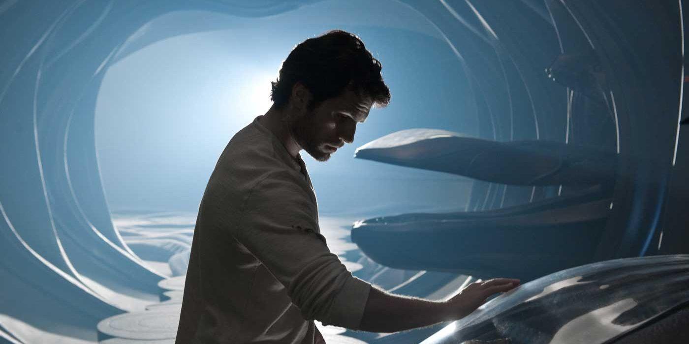 Zack Snyder Says Man of Steel Pod Was Major DCEU Setup, Not Supergirl