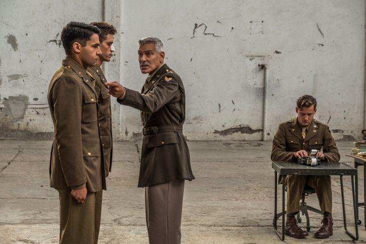 Джордж Клуни в военном сериале 1