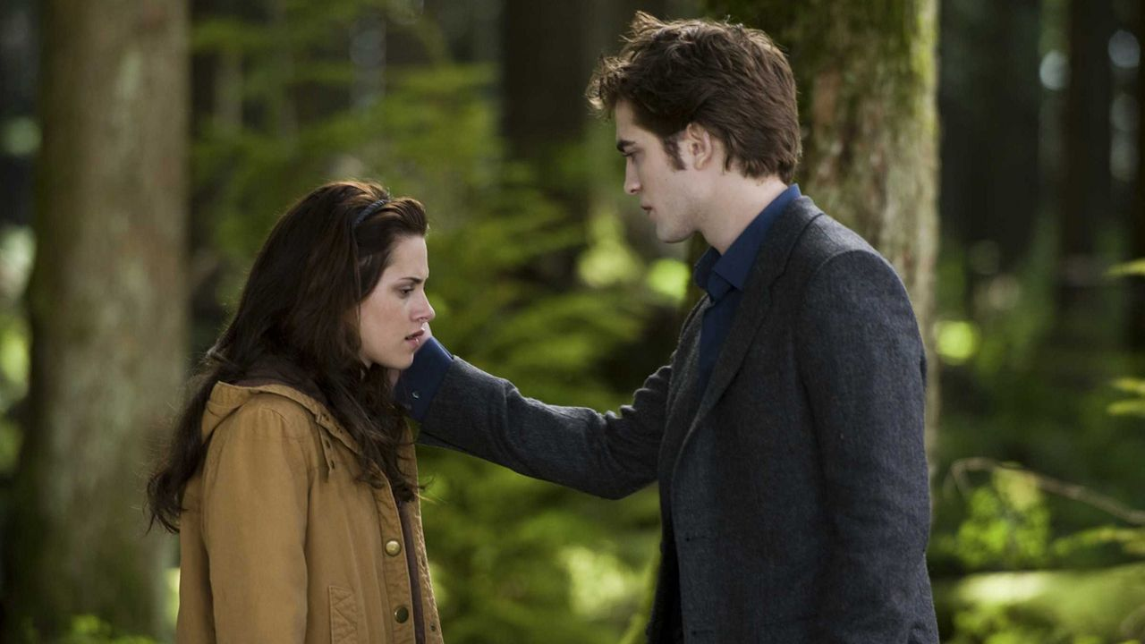 Who Is Edward Cullen Dating In Real Life
