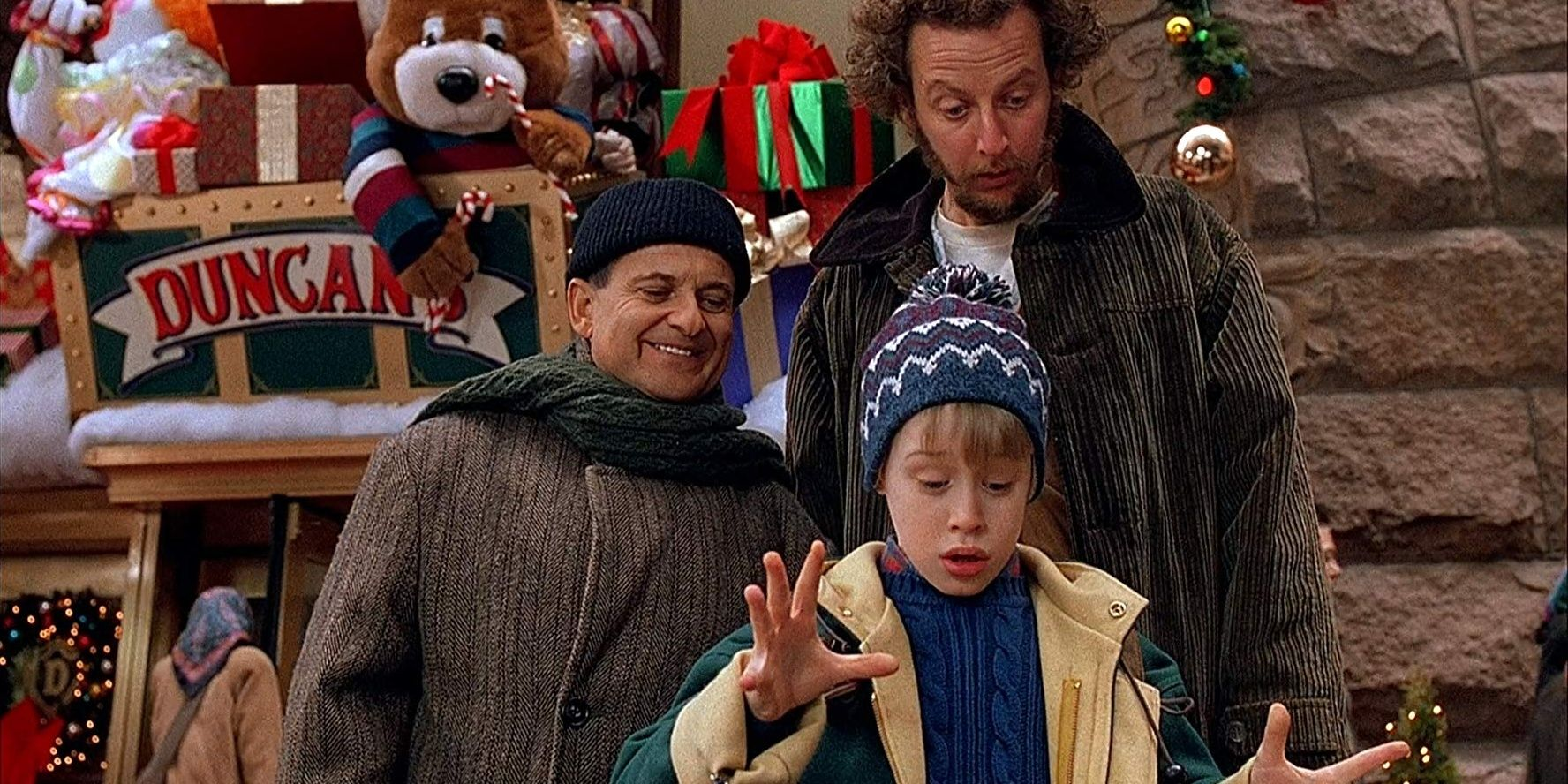 https://static0.srcdn.com/wordpress/wp-content/uploads/2019/11/Better-Movie-Sequels-Home-Alone-2-Cropped.jpg