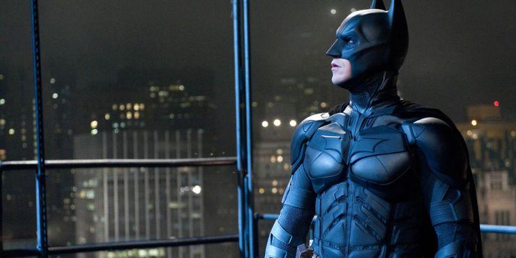 Batman: como o traje de Robert Pattinson se compara ao Cavaleiro das Trevas 2