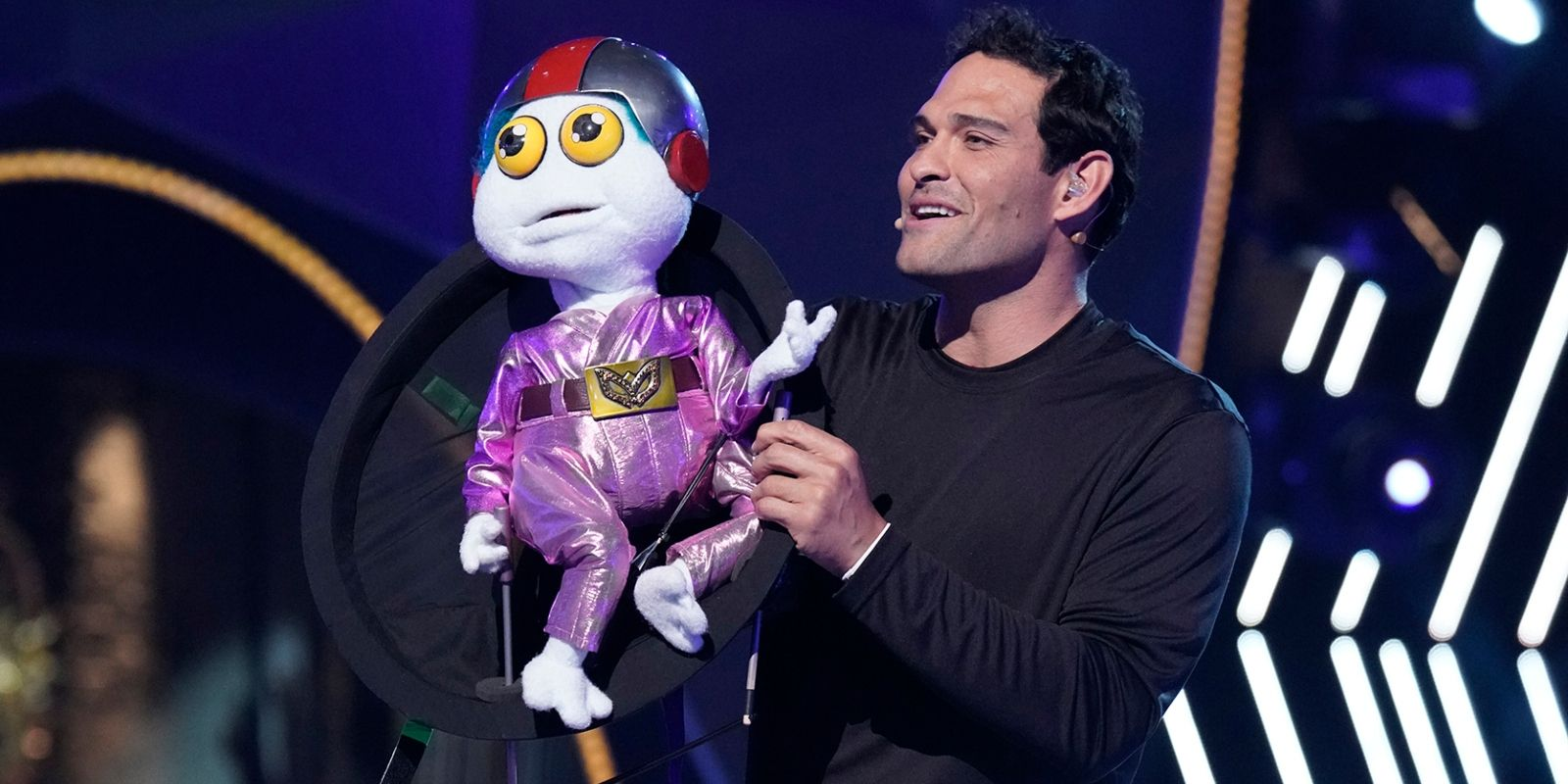 The Masked Singer: Baby Alien Revealed To Be NFL Player Mark Sanchez