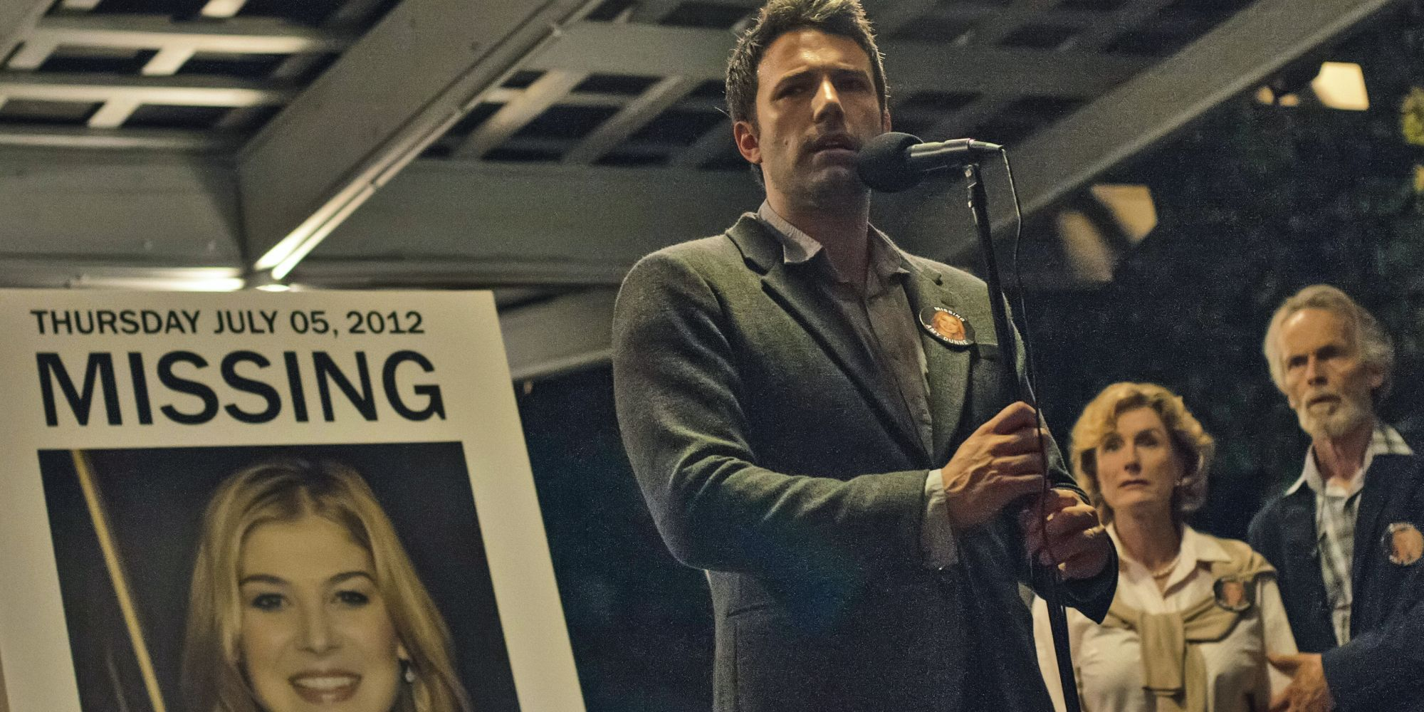 Netflix's 'I Care A Lot': 5 Things It Does Better Than 'Gone Girl' (& 5 Things That Miss The Mark)
