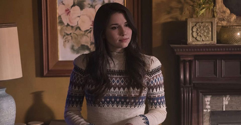 Grace Fulton Is Playing Both Versions Of Her Shazam 2 Character